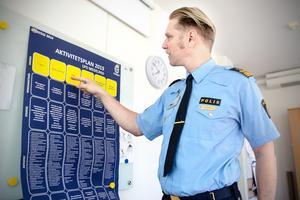 Elva nya poliser kommer att anställas inom polisen i Västernorrland. Det är polisaspiranter som nu fått fast anställning, berättar Josef Wiklund.