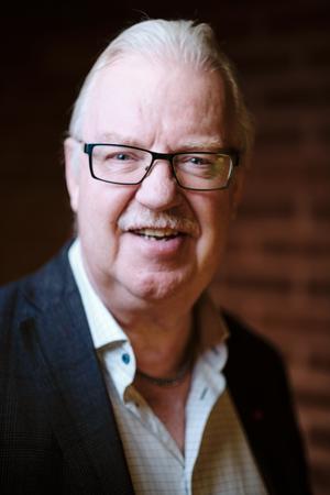 Olle Jansson (S) ville tillföra ytterligare pengar till skolan när han tog del av budgetunderlaget för 2019. Bild: John Guthed/Norrtälje kommun