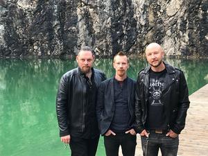 Magnus Holmström, David Eriksson och Tomas Limpan Lindberg är trion som ska hänga med Hammerfall till Wacken Open Air. Foto: Privat