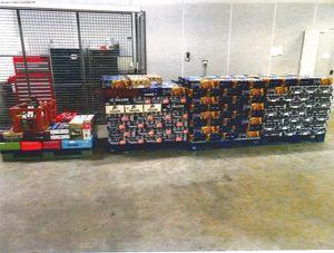 Sällskapet hade över 5 000 burkar med starköl. Foto: Tullverket.