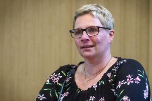 Marina Nilsson (C) var för en ny konstgräsplan för niomannafotboll på Sävstaås.