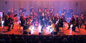 Martin Fröst tillträder som chefsdirigent för Svenska kammarorkestern i september senare i år. Men redan på konserten i torsdags visade han vad det kan komma att innebära.