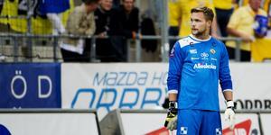 Oscar Jansson var ohotad etta 2013 och även 2019 i ÖSK. Vad som händer med målvakten nu är ännu oklart. Arkivbild: Aline Lessner