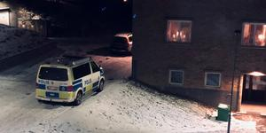 Polisen grep två män på Haga under torsdagskvällen. Bild: Läsarbild/Sandra Frykman