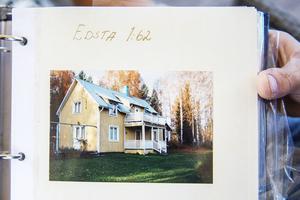 Så här såg huset ut när de köpte det. Då fanns varken avlopp eller el i huset.