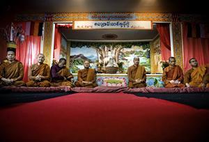 Lockade dit många. Invigningen av Tiratana buddhisttempel och kloster fick många att resa till Hjortkvarn. Det var tio munkar ditresta och gäster från hela Sverige och Norge.