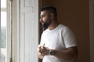 Khaled Izoli vill motivera unga att välja rätt väg i livet och hitta sin passion.