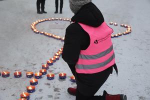 Några tal hölls inte när Kvinno- och tjejjouren i Ludvika-Smedjebacken anordnade sin ljusmanifestation på torsdagseftermiddagen under parollen