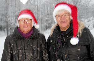När kalla stora vita snöflingor doftar förbi i strömmar är Rebeckasystrarna Inger Nordwall och Helén Östmar Rosdahl redo att besöka en sjuk medlem.