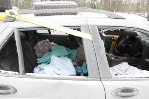 Bilen är full av textilier, kanske har någon övernattat här?