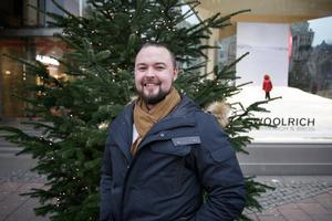 Förra året var julklappsprojektet en stor succé. I år ser Pontus Grotz fram emot att få vara tomte igen. – Jag tycker det är lika kul som barnen!