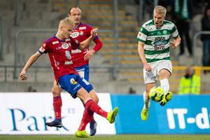 Filip Örnblom, Öster, i match mot VSK. Foto: Anders Forngren / BILDBYRÅN