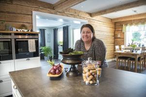 Kristine Markussen bodde sju år i garaget under tiden som hon och hennes pappa byggde bostadshuset.
