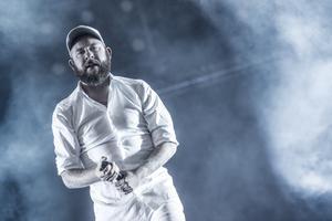 Anders Fridén och hans In Flames gästar Dalhalla i september. Här syns han från Bråvallafestivalen 2015. Foto: Pontus Lundahl / TT