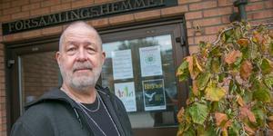 Rutger Bengtsson, diakon i Nynäshamns församling, håller i trådarna för julfirandet.