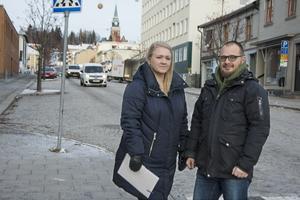 Josefin Höglund (tidigare Nilsson) och Olof Dahlberg var båda språkrör för Miljöpartiet i Örnsköldsvik fram till valet 2018. I dag har de nya roller i partiet.