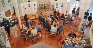 Hallsbergs kulturskolas elever som jobbar med bild i Aggershus har haft sina årliga vernissager. Som vanligt kom det många nära och kära för att beskåda ungdomarnas verk. Foto: Privat