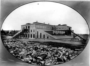 Bilden av den då modernaste industrianläggningen i Sverige, Domnarvets järnverk 1878, är en del av filmen. Foto: SSAB:s arkiv