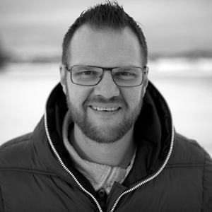 Karl-Erik Wångstedt har överklagat politikernas beslut att sälja fastigheten Bro 4:4 till Bollnäs bandy.