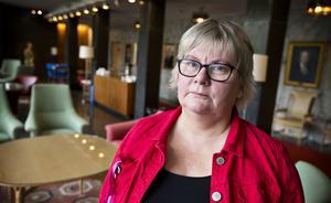 Underskotten i Ann-Louise Molin Östlings (S) nämnd är på väg att stjälpa hela kommunens ekonomi.