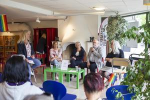 Panelen bestod av Karin Velander (M), Susanne Larsson (S), Benny Gustafsson (V) och Maria Hansson (KD). Moderator var regionråd Eva Lindberg (S).