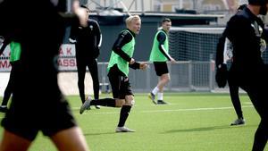 Lukas Juhler, 19-årig mittfältare från akademin som har tränat med ÖSK:s A-trupp under november.