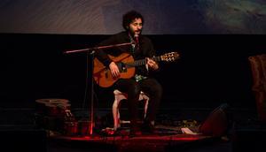 """José Gonzalez har bland annat blivit känd för låtar som """"Heartbeats"""" och """"Crosses"""". Hans musik har använts i stora film- och tv-produktioner som"""
