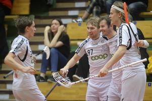 Patrik Fransson har kvitterat till 6–6, framspelad av Rasmus Nilsson.