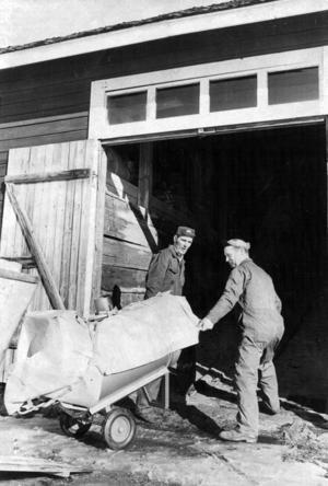 Hitterdal och Nordqvist hette två av AMS-arbetarna i Backe 1973.