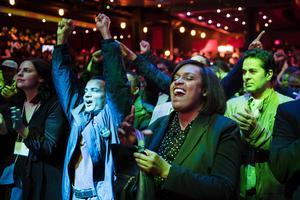 Efter åtta år med en republikansk guvernör i Michigan var det många demokrater som ville fira i Detroit. Foto: Kristoffer Hellman