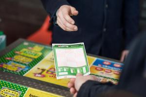 Sedan Lasses lek, spel & tobak slagit igen finns det bara ett ställe att spela på i Säter. Foto: Adam Wrafter /Bildbyrån