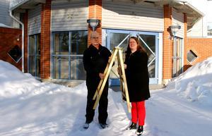 Med en och en halv månad kvar till galakvällen är det dags att rösta fram sin favoritföretagare.  Lars Holm, Företagarna Timrå och Christina Eriksson, projektledare, är glada över intresset.
