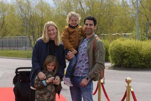 Stephan Wilson, Emma Wilson med barnen Minou och Julian. Foto: David Söder