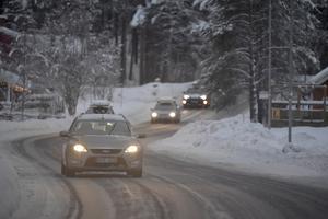 Bilister på väg hemåt efter julfirande på Idre Fjäll och Idre Himmelfjäll.