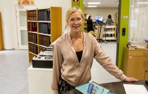 Bibliotekarien Helen Sverin tycker att måndagar och tisdagar är stökigast.