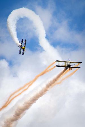 Scandinavian Airshow med sin spektakulära uppvisning. Foto: Mikael Forslund.