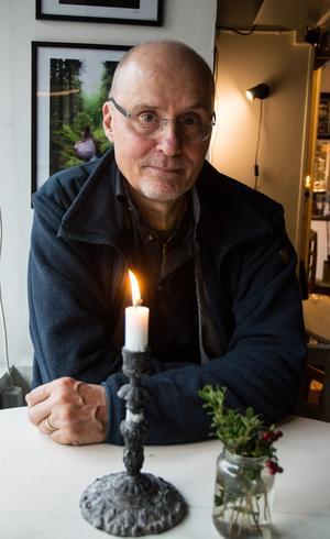 """""""Sorg går över. Den gör faktiskt det"""" säger prästen, psykoterapeuten och författaren Göran Larsson."""