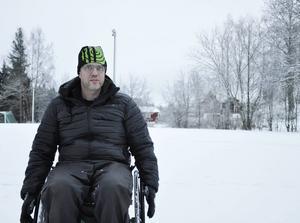 Martin Andersson har kämpat i flera år för att isen bredvid Luckstaskolan ska bli skottad.