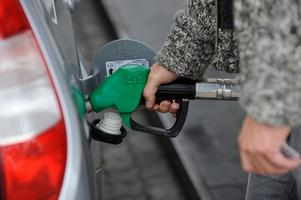 Om skatten på flygbränsle höjdes lika mycket som bensinskatten skulle en Thailandsresa bli tre gånger så dyr.
