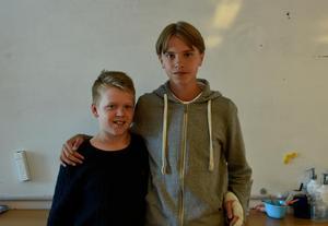 Från vänster: Hugo von Sicard, Nils Lindström i 6A, Uslands skola.