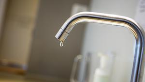 JUST NU: Bakteriemysteriet löst – nu är vattnet drickbart i Vretstorp och Vibykrog