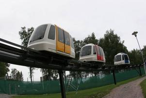 Varje spårtaxi ska ta mellan två och fem passagerare.