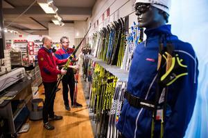 Intersport har haft fullt upp med att tillgodose skidåkare med nya skidor.
