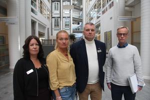Johanna Norrgård, rektor för F-3 på Käpplundaskolan, Pernilla Engqvist Widegren, grundskolechef i Skövde kommun, Peter Ljungqvist, rektor för 4–6 på Käpplundaskolan, samt Ingemar Linusson, teknisk chef på Skövde kommun.