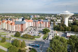 Kvarteret Mejeriet sett från öster. Det ligger ligger mellan Östra Bangatan och Längbrogatan, från Svampen och ett kvarter norrut. Bilden är tagen tidigare, den 10 september 2019.