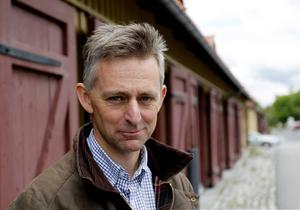 Skogschefen Olof Falkeström tycker att arbetet flutit på rätt bra i skogarna. Men det finns ännu mycket timmer kvar.