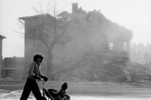 Några veckor i mars 1980 fick söderhamnarna stå ut med damm och bråte när halva kvarteret Lönnen jämnades med marken.