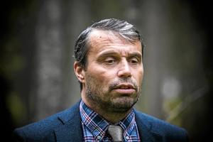 ÖFK:s ordförande Daniel Kindberg har släpps men hans affärskompanjon från Sollefteå fortfarande är häktad