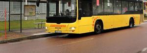 Bussar får man inte köra om hur som helst.