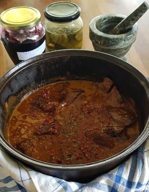 Krämig skinkgryta, fungerar lika bra med skinkstek som fläskfilé. Foto: Laila Westling.